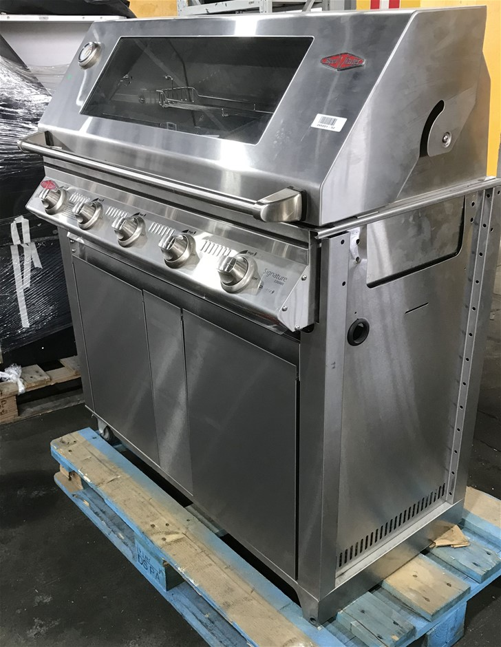 Beefeater BS19340 Signature 3000S 4 Burner Gas BBQ