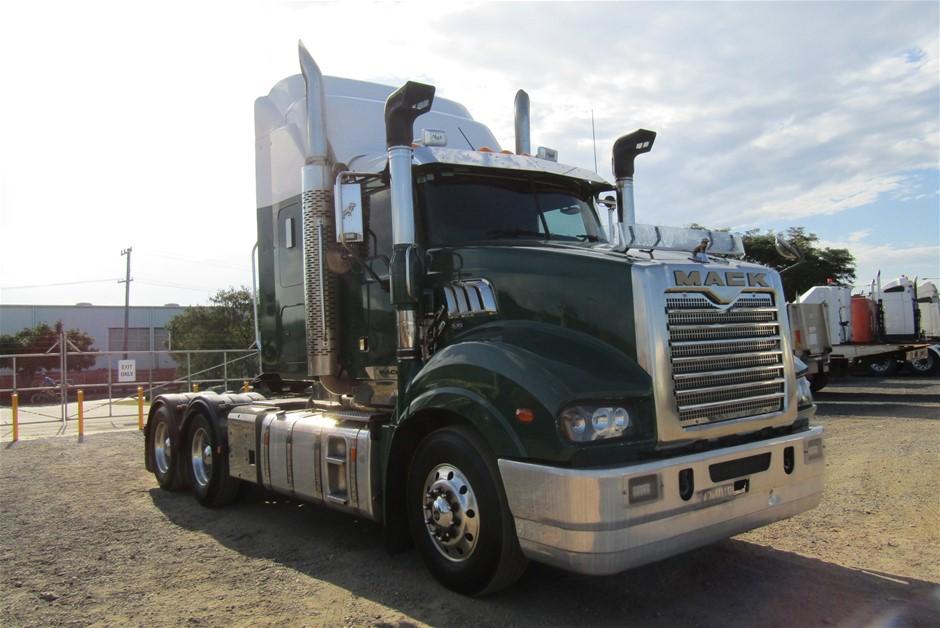 2015 Mack Trident 6 x 4 Prime Mover Truck