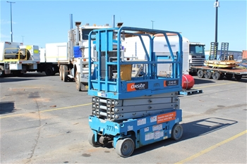2011 Genie Electric Scissor Lift