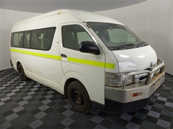 Unreserved 2007 Toyota Hiace Commuter RWD Automatic People Mover