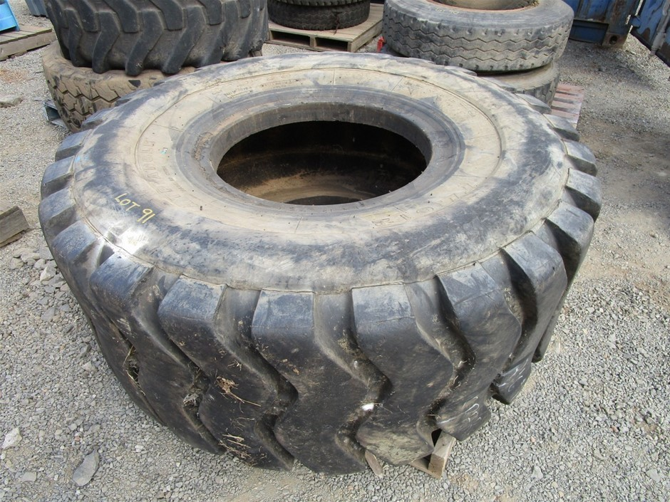 Triangle Earthmoving Tyre