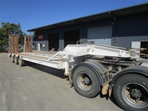 1979 Drake 3 Rows of 4 Low Loader Traile