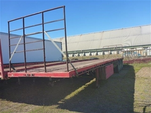 1998 Freighter ST3 Triaxle Flat Top Trai