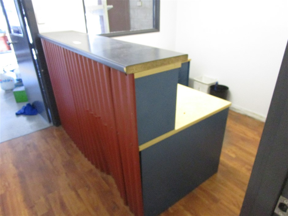 Reception Desk with Drawer Units and 3 Chairs