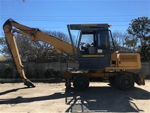 Liebherr Rubber Tyred Excavator / Scrap