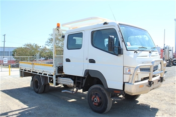 2013 Mitsubishi Fuso 4 x 4 Tray Body Truck