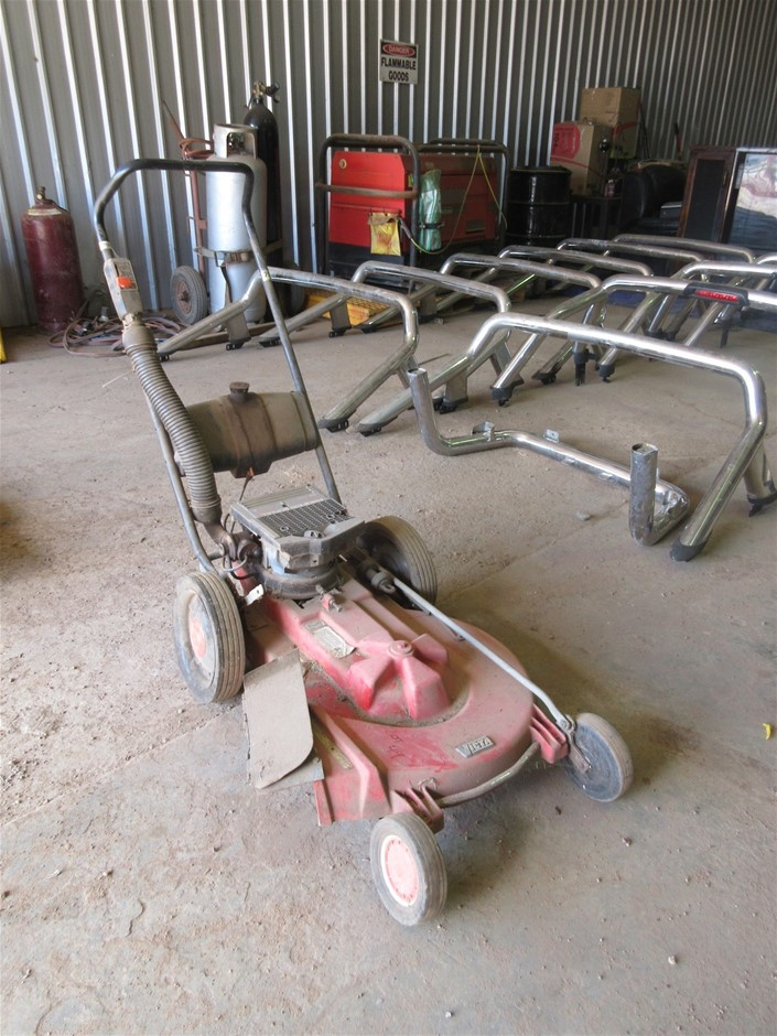 Victa Professional 600 2 Stroke Lawn Mower