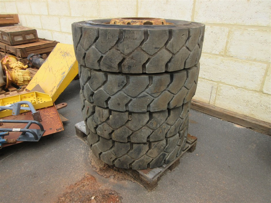 4x Tyres and Rims