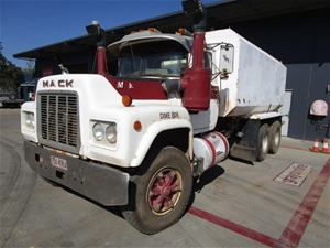 1973 Mack R600 Prime Mover Truck