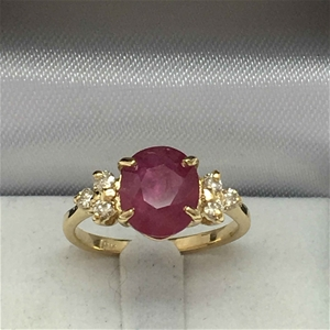 18ct Yellow Gold, 3.05ct Ruby and Diamon