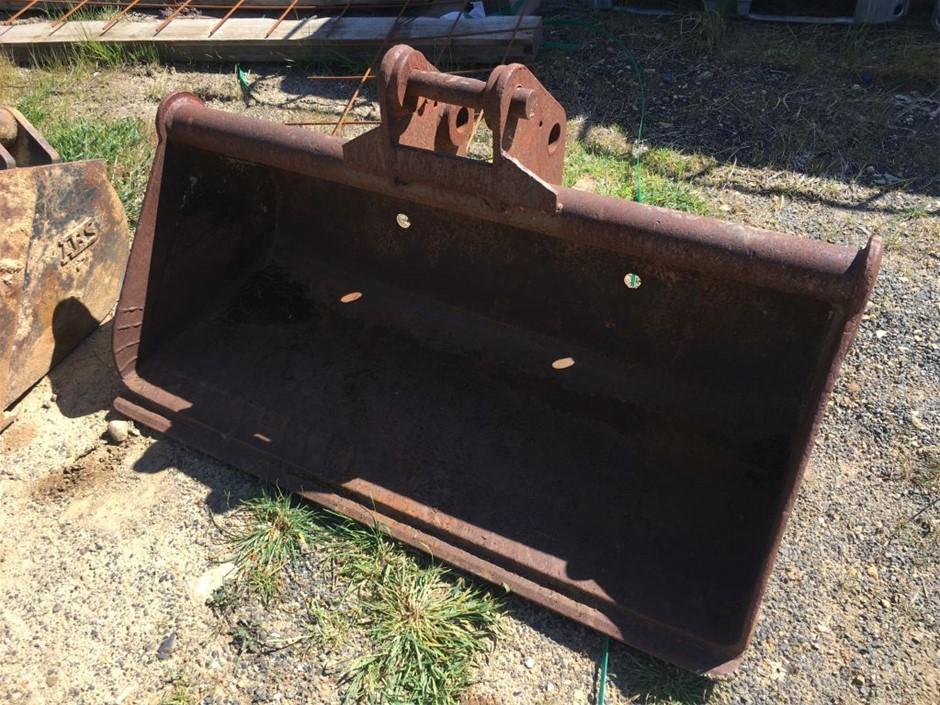Mud Bucket, approx 1200mm wide