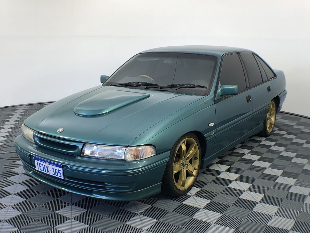 1992 Holden Berlina 5.0ltr V8 VP Auto Sedan