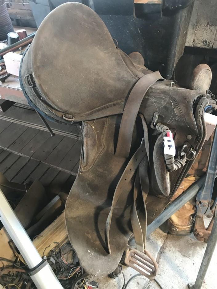 Stock Saddle (265702-37)
