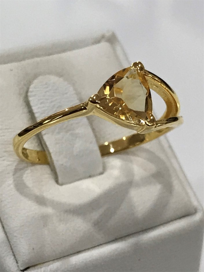 Brilliant 2.00ct Golden Citrine & 18K Gold Vermeil Ring. Size R 1/2 (9)