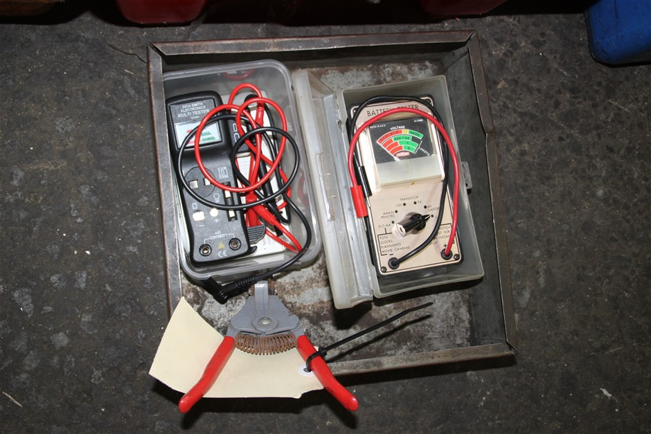 Qty 2 x Assorted Battery Tester
