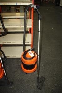 VAX 2000 Wet & Dry Vacuum Cleaner