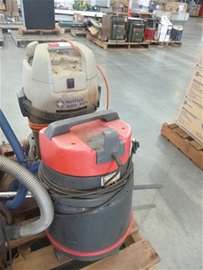 2x Assorted Vacuum Cleaners