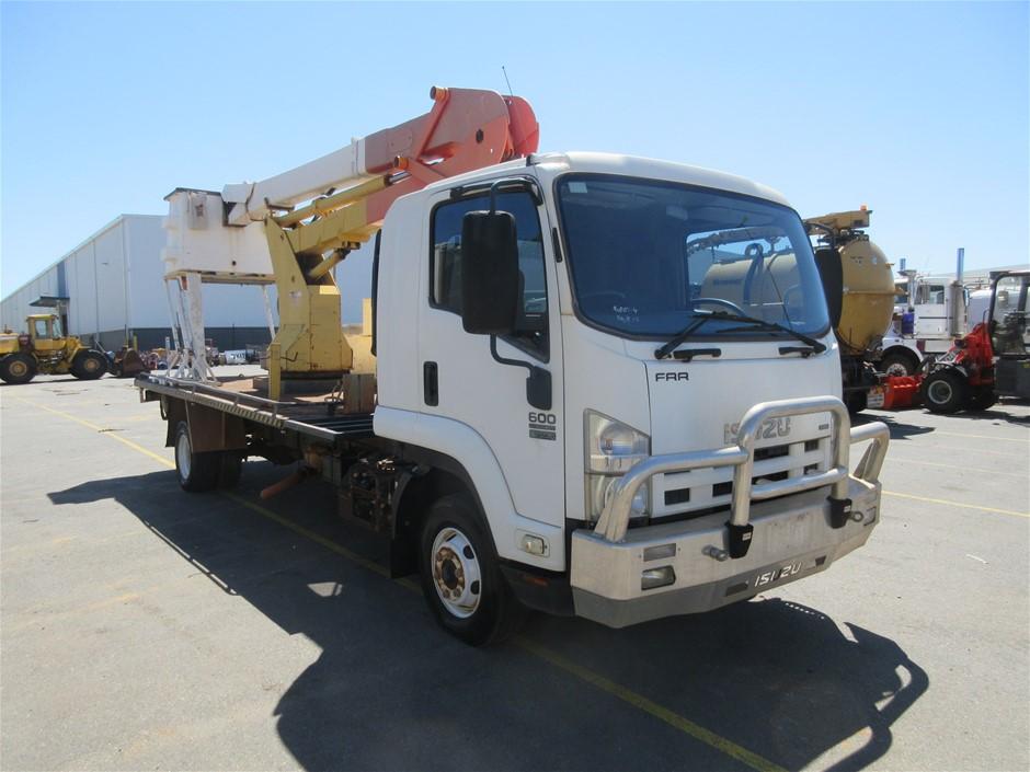 2008 Isuzu FH FRR600 4x2 Truck with Cherry Picker - 49,477 Km's