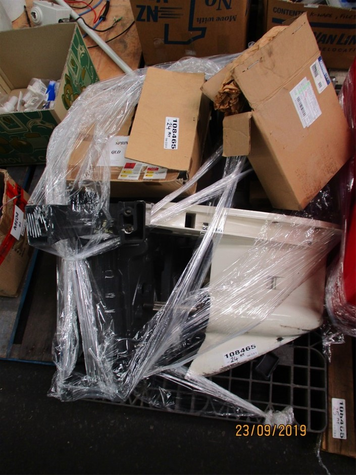 Pallet of Assorted Inboard/Outboard Parts