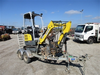 Unreserved Mini Excavator & Trailer