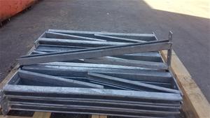 Galvanized 800mm long wall bracket