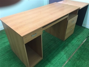 Student's Desk in Timber Laminate