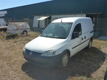2006 Holden XC Combo Manual Van