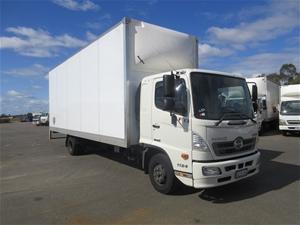 2017 Hino FD500 4x2 Pantech Truck