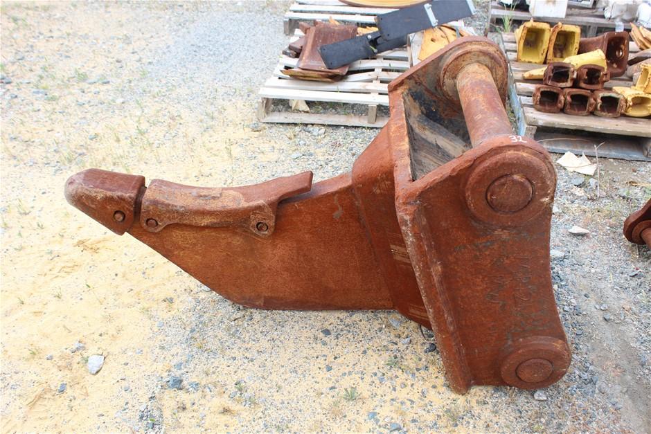 Cat 40T Excavator pick