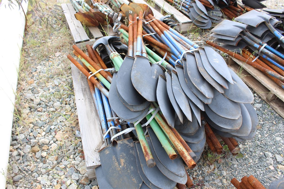 Pallet of Steel Long Handle Shovels