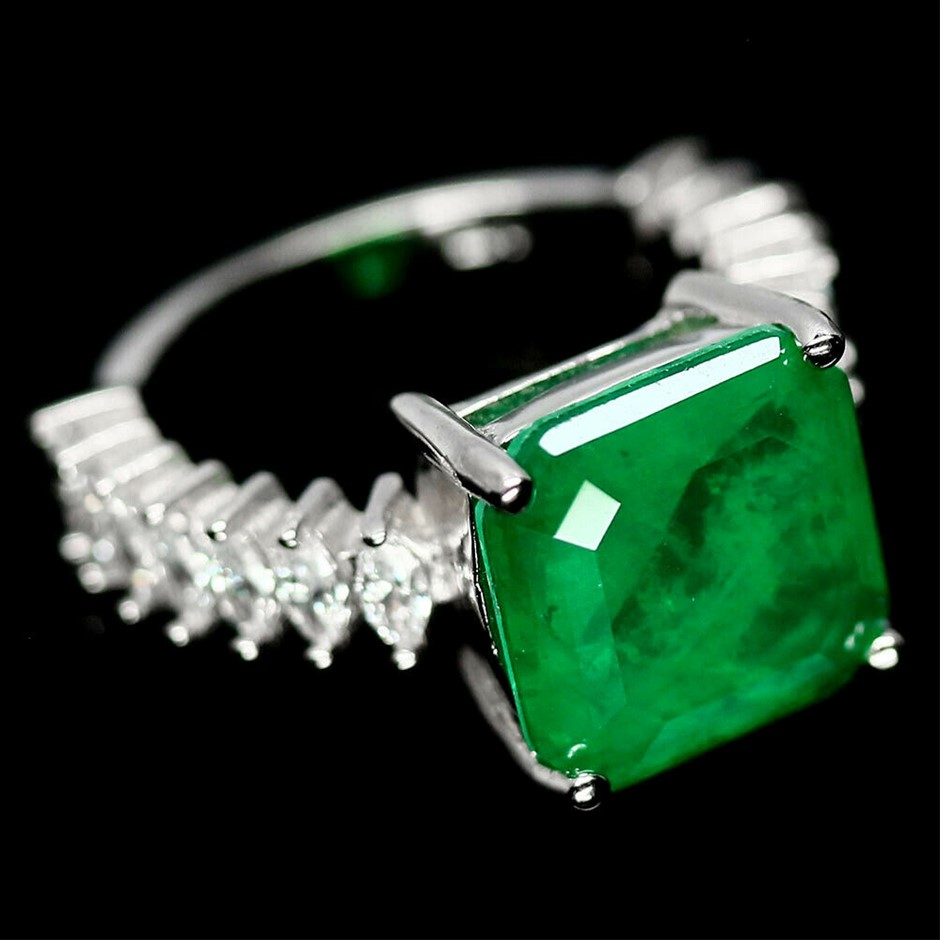 Gorgeous Forest Green Doublet Emerald Ring. Size 'N'