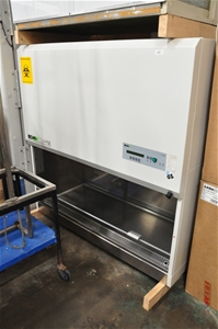 Biological safety cabinet, 1400mm Class