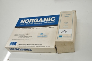 Trace organic removal cartridges for pre