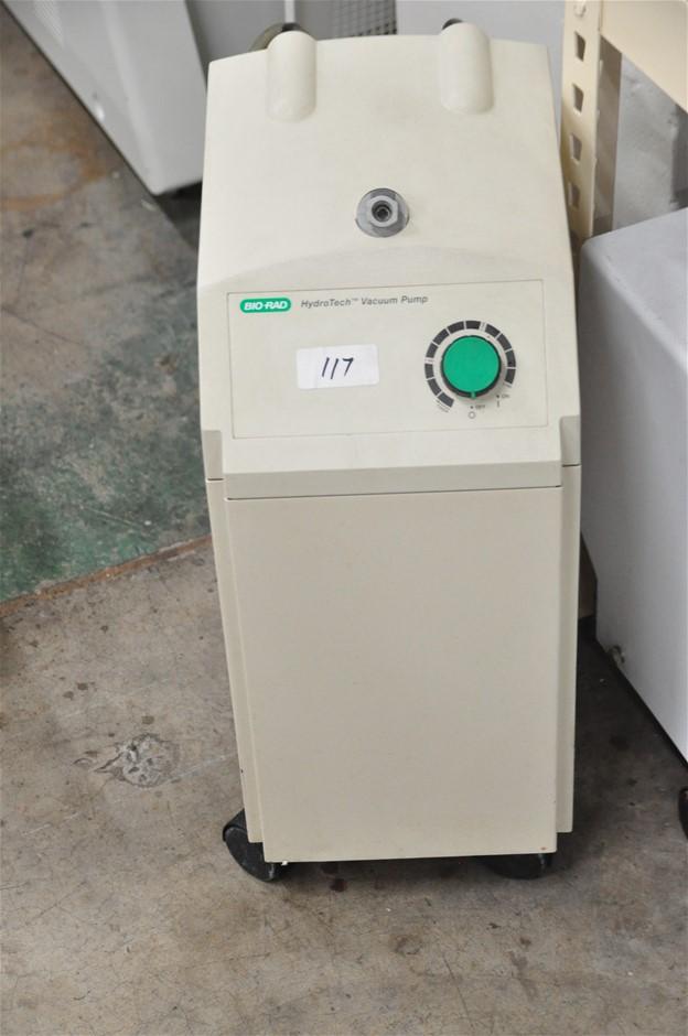 "Vacuum pump venturi type (30"" Hg) with internal water reservoir, 240V. Bio"