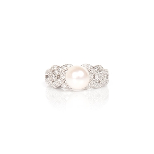 Freshwater white pearl & cubic zirconia