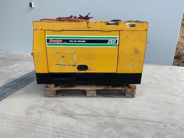 Denyo Diesel Welder Generator , Kubota Diesel engine with welding leads