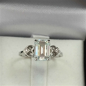 18ct White Gold, 1.78ct Emerald Cut Mois