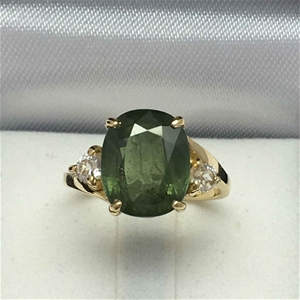 18ct Yellow Gold, 6.63ct Green and White