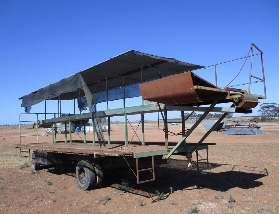 Dual Axle Trailer with Above Deck Conveyor
