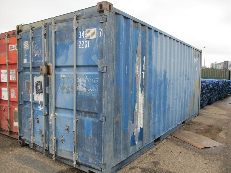 2000 20ft. Container
