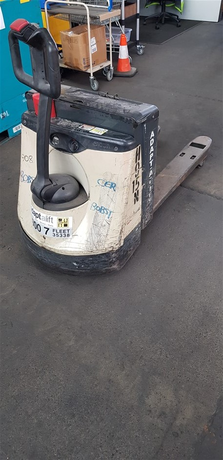 2001 Crown WP2020 Electric Pedestrian Pallet Mover