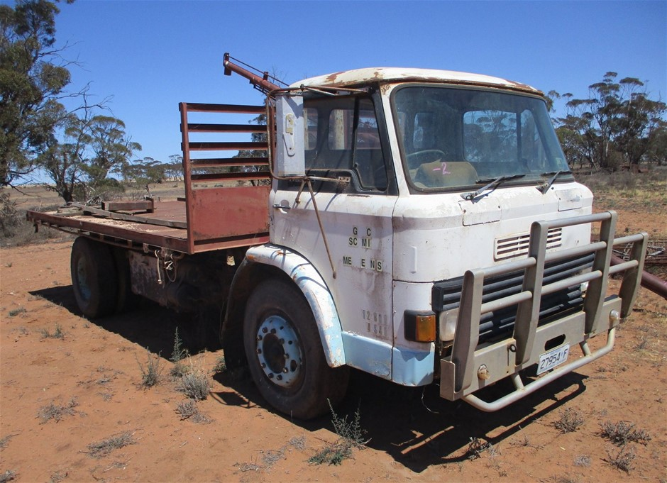 Ford D-Series Tray Truck