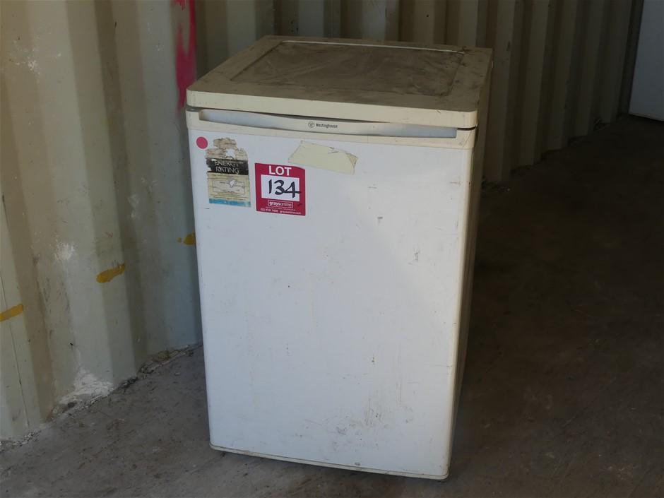 Westinghouse RA122T 115L Refrigerator Make: Westinghouse