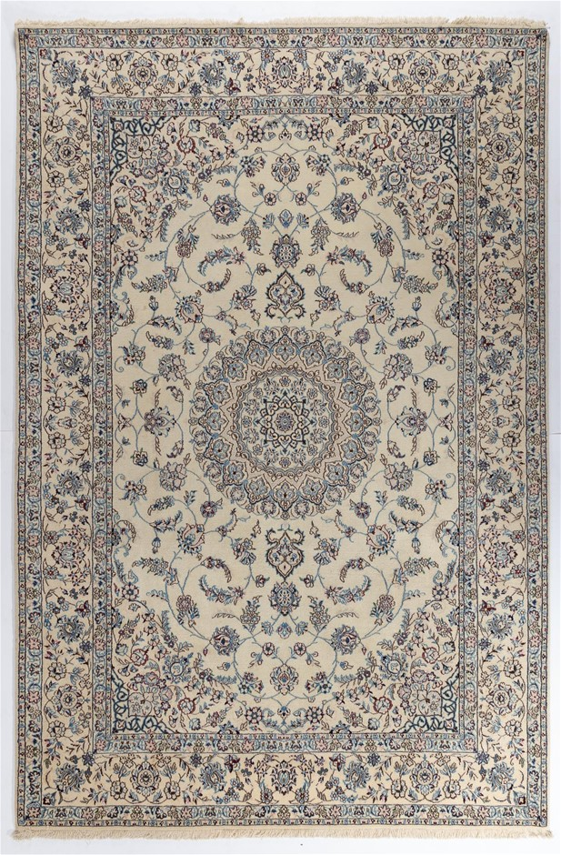 Persian Nain 6la Hand Knotted 100% Wool pile Size (cm): 200 x 300