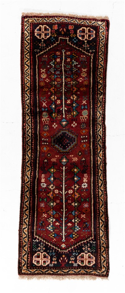 Persian Shiraz 100% Wool Pile Hand Knotted Size (cm): 67 x 192