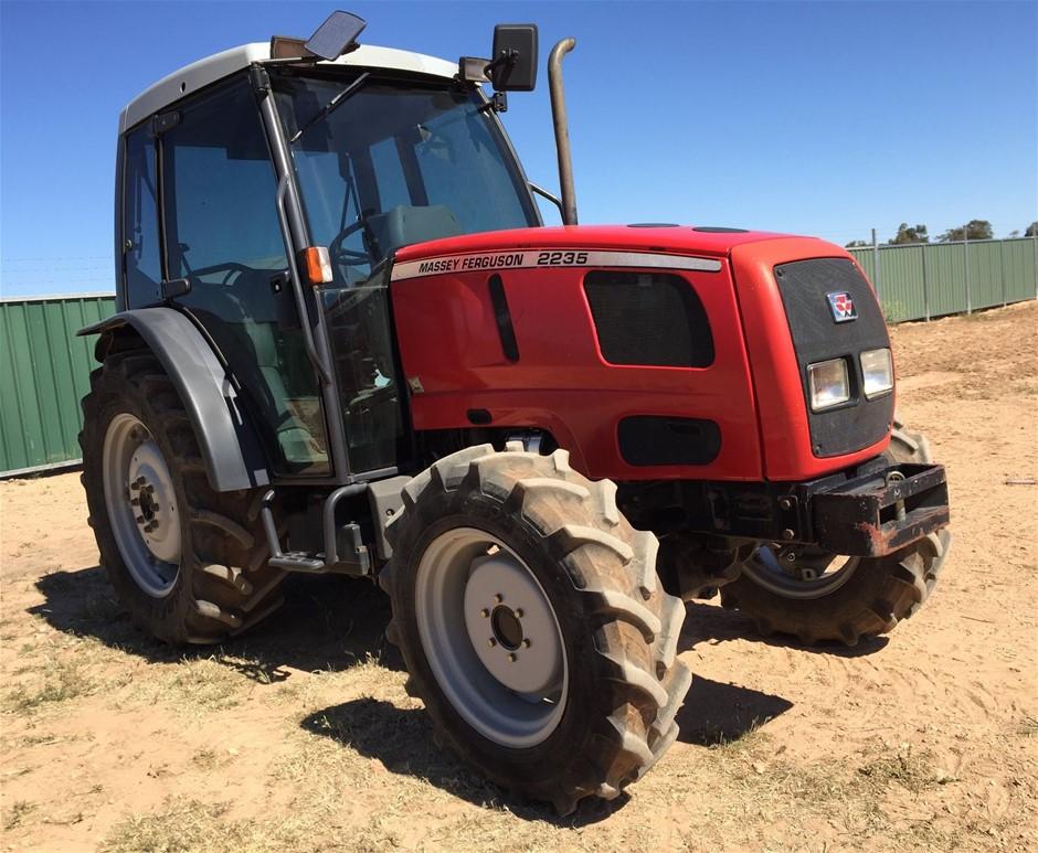 Massey Ferguson 2235 Tractor