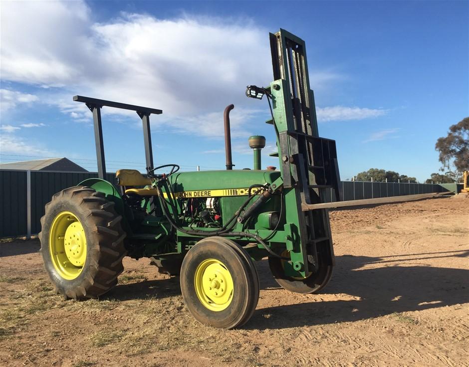 2017 John Deere 1040 Tractor