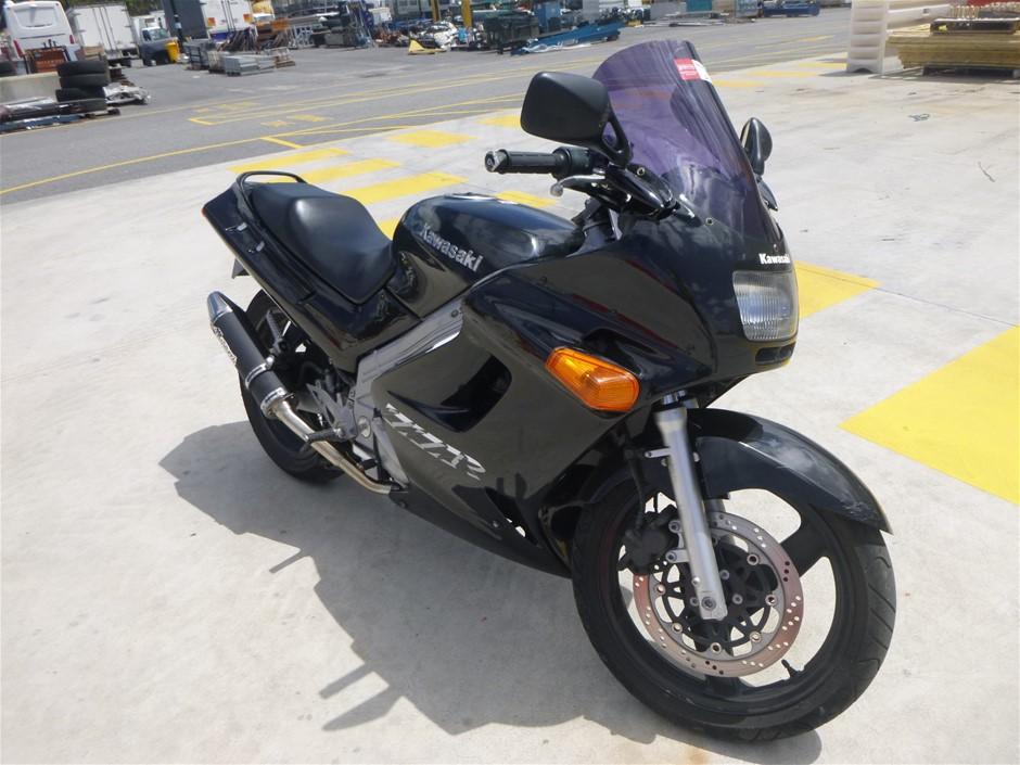2004 Kawasaki EX250H ZZR250 Motorcycle