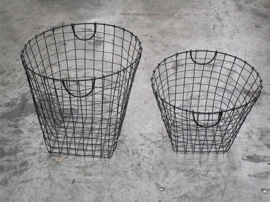 Pallet of Approximately 15 Wire Storage Baskets (Set of 2)