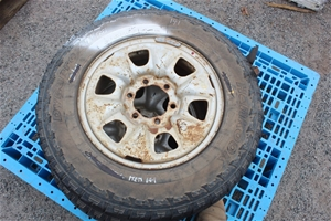 2x Tyres with 6 Stud Rims